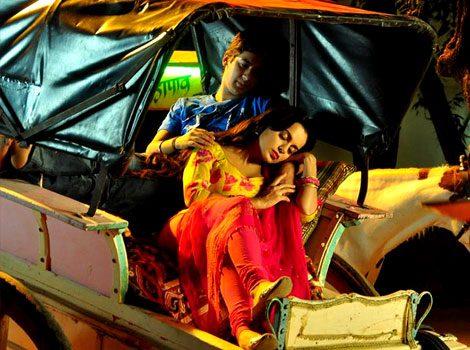 Photos: Kangana Ranaut promotes 'Rajjo' on new set of 'Comedy Nights with Kapil'