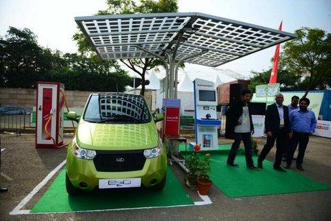 Mahindra Reva premium car e2o launched at Rs 5.72 lakh