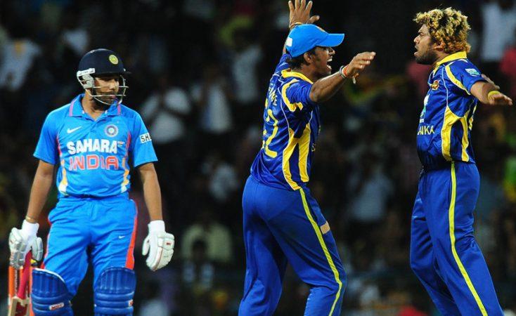 Sri Lanka's Lasith Malinga (R) celebrate
