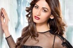 Aditi Arya hot (4)