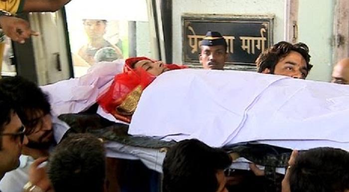 Pratyusha Banerjee funeral pics (2)