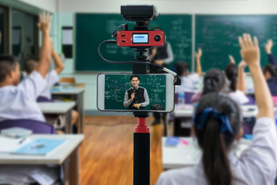 Recorded Video Lectures - A New Dawn in the Education System